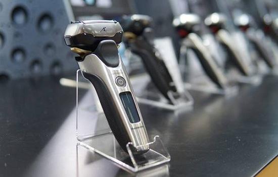 万博manbetx客户端2.0代加工厂家:用万博manbetx客户端2.0刮胡子和剪胡子有什么区别?